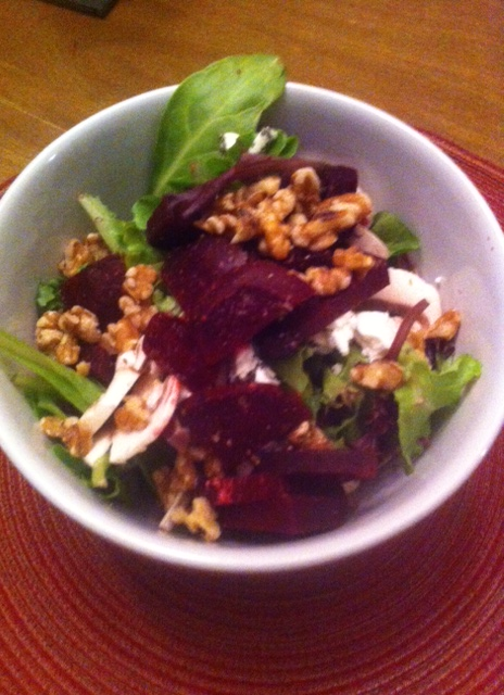 beet and goat cheese spinach salad